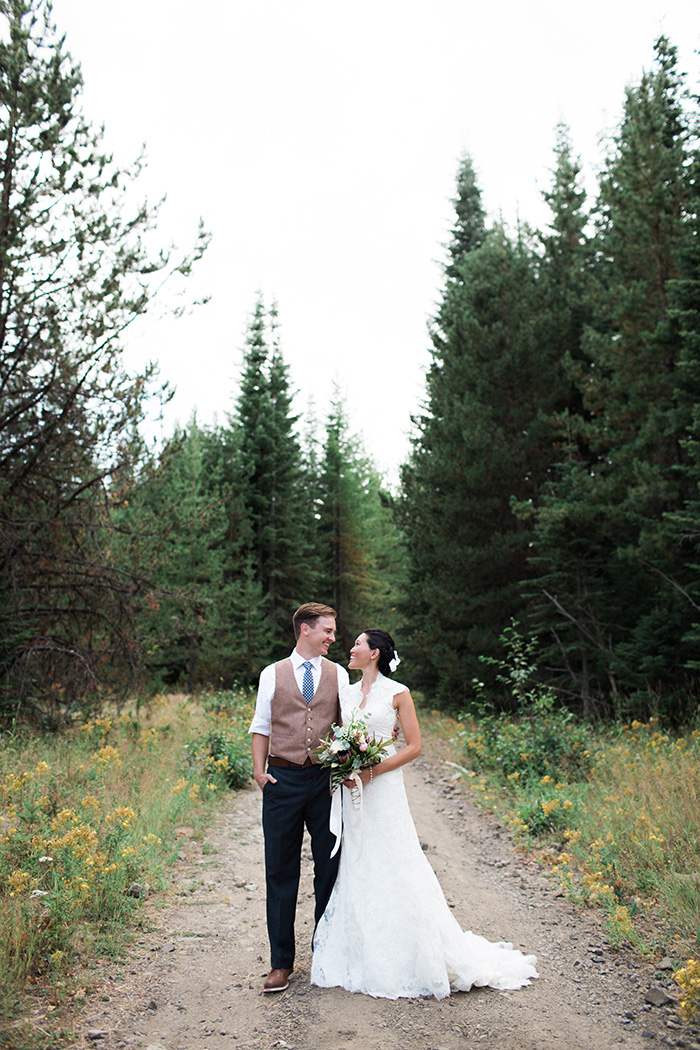 Mount-Hood-Oregon-backyard-wedding-Kristin-Gregory-33