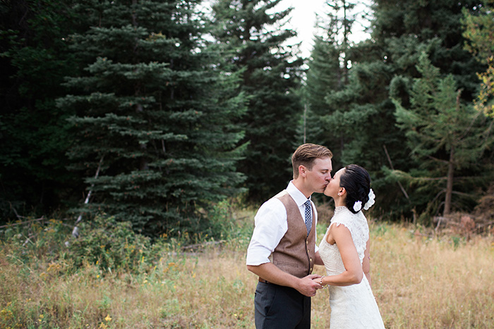Mount-Hood-Oregon-backyard-wedding-Kristin-Gregory-34