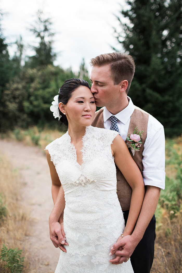 Mount-Hood-Oregon-backyard-wedding-Kristin-Gregory-4