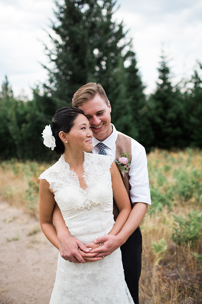 Mount-Hood-Oregon-backyard-wedding-Kristin-Gregory-5