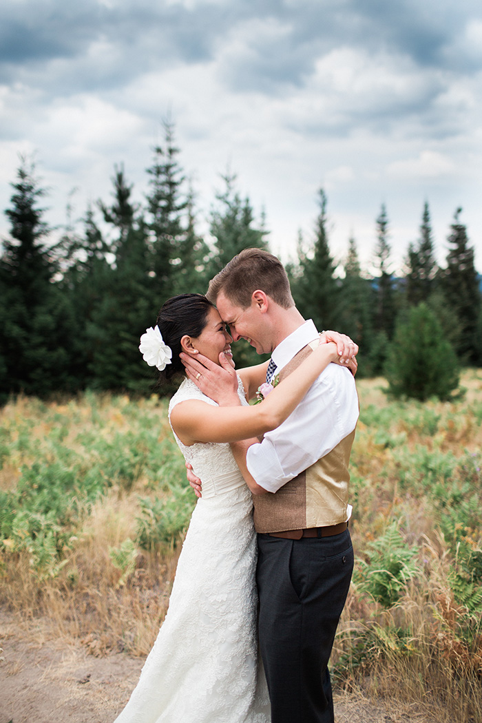 Mount-Hood-Oregon-backyard-wedding-Kristin-Gregory-6