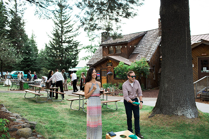 Mount-Hood-Oregon-backyard-wedding-Kristin-Gregory-9