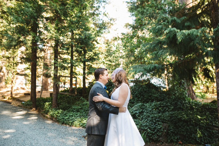 intimate-oregon-farm-wedding-amanda-eddie-16