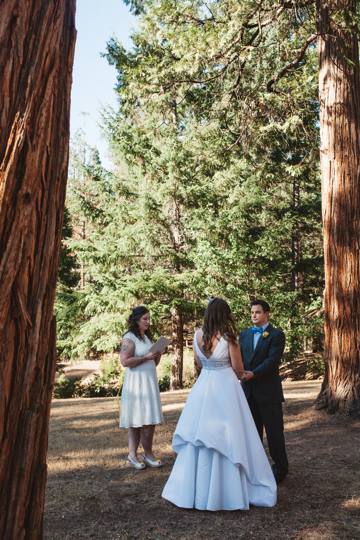 intimate-oregon-farm-wedding-amanda-eddie-46