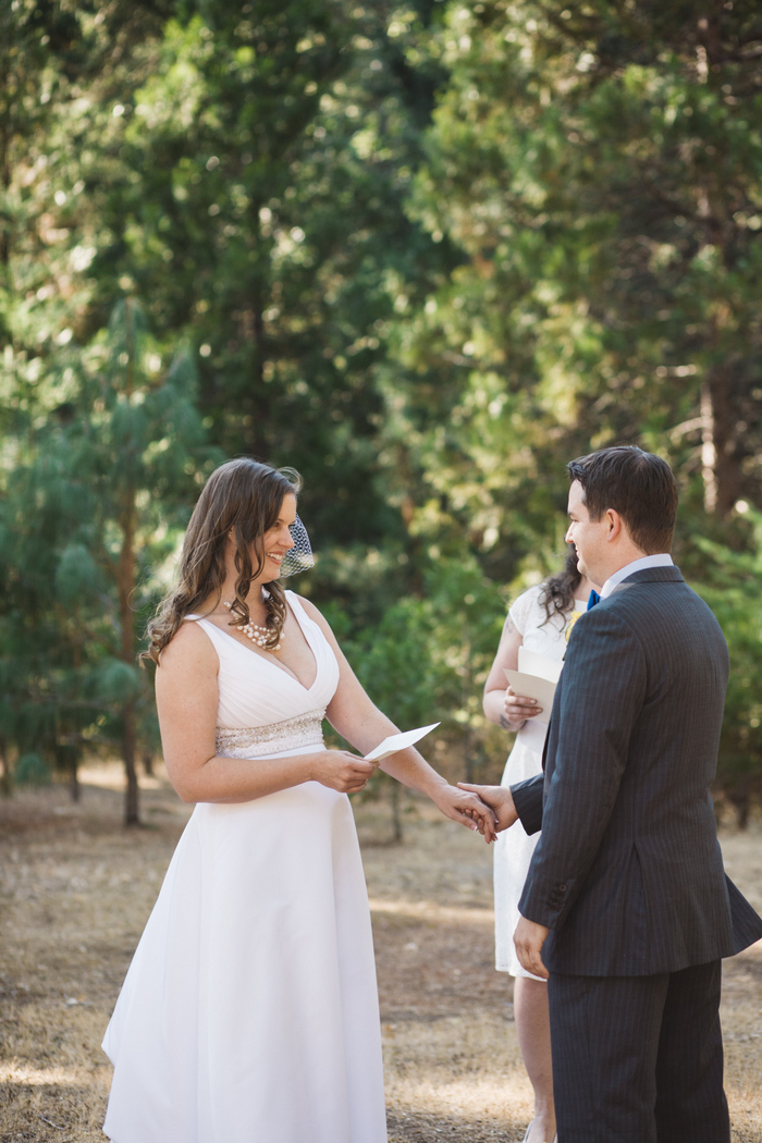 intimate-oregon-farm-wedding-amanda-eddie-50