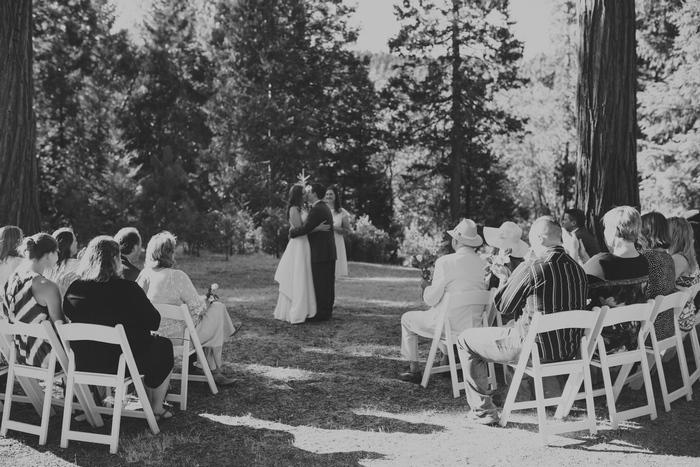 intimate-oregon-farm-wedding-amanda-eddie-54