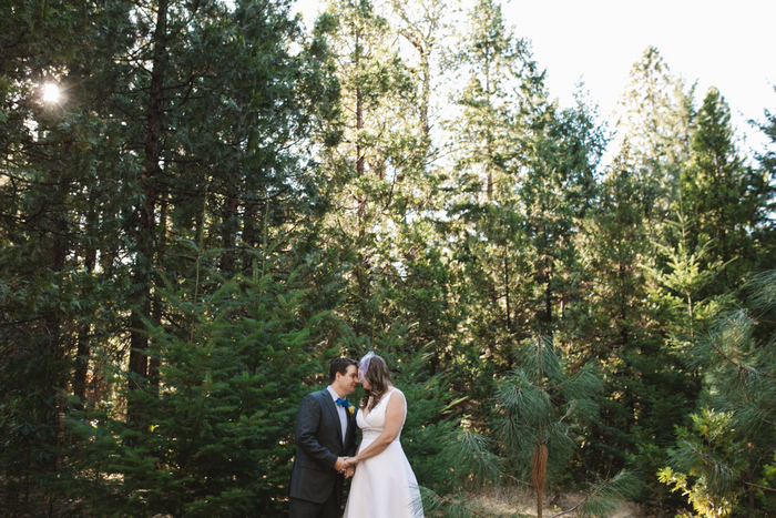 intimate-oregon-farm-wedding-amanda-eddie-60