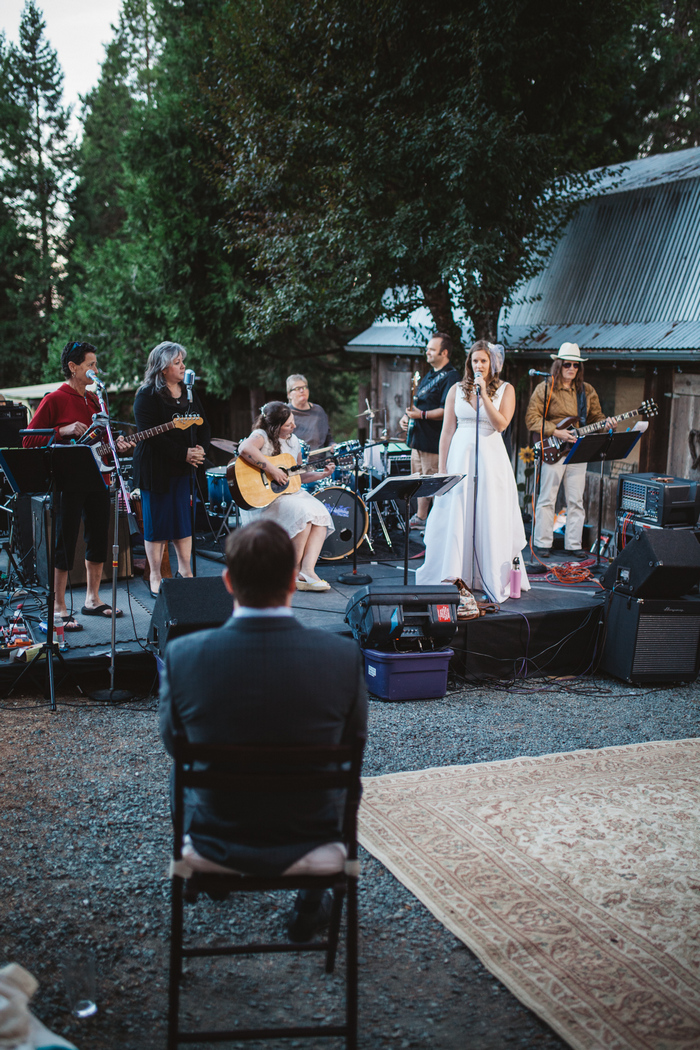 intimate-oregon-farm-wedding-amanda-eddie-83