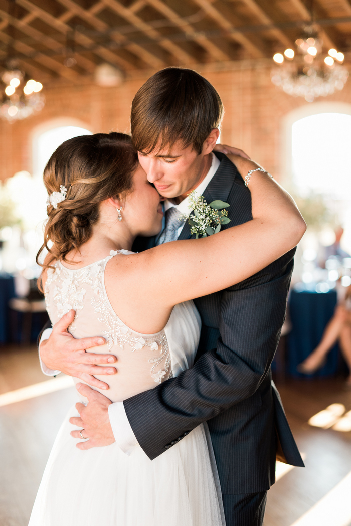 http://www.intimateweddings.com/wp-content/uploads/2015/11/raleigh-nc-intimate-wedding-angelina-matt-435.jpg