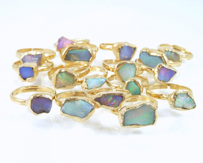 http://www.intimateweddings.com/wp-content/uploads/2015/11/raw-opal-ring-700x560.jpg