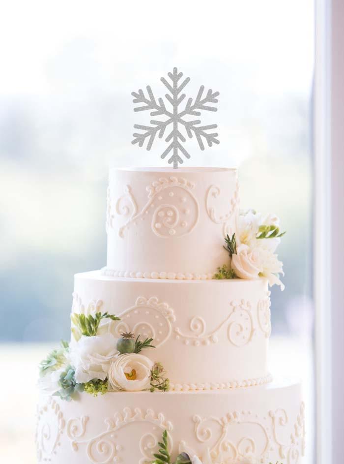 Winter Wedding Ideas 41 Luxury Snowflake Cake Topper