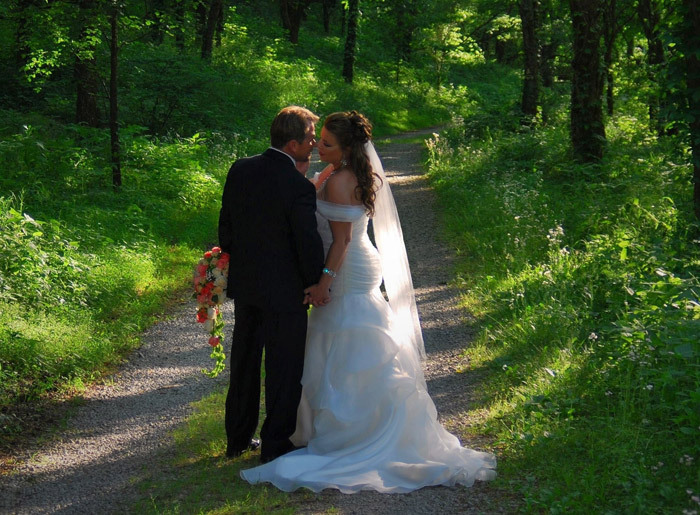 Tennessee-Intimate-Weddings-at-Butterfly-Hollow-9