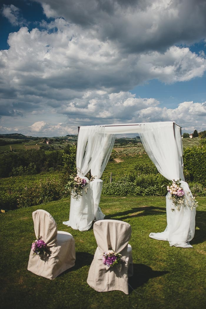 Andr and anne 39 s intimate tuscan villa wedding intimate for Small intimate wedding ideas