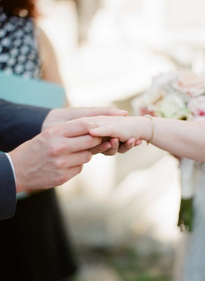 intimate-paris-wedding-Lindsey-Matthew-photography-by-Greg-Finck-30