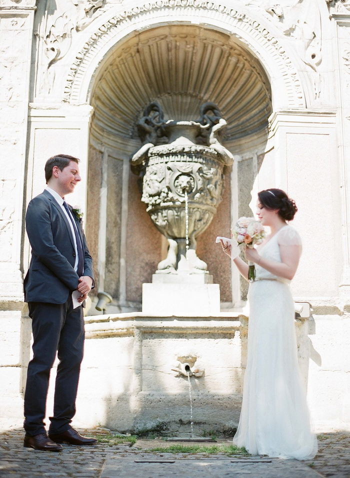 intimate-paris-wedding-Lindsey-Matthew-photography-by-Greg-Finck-32