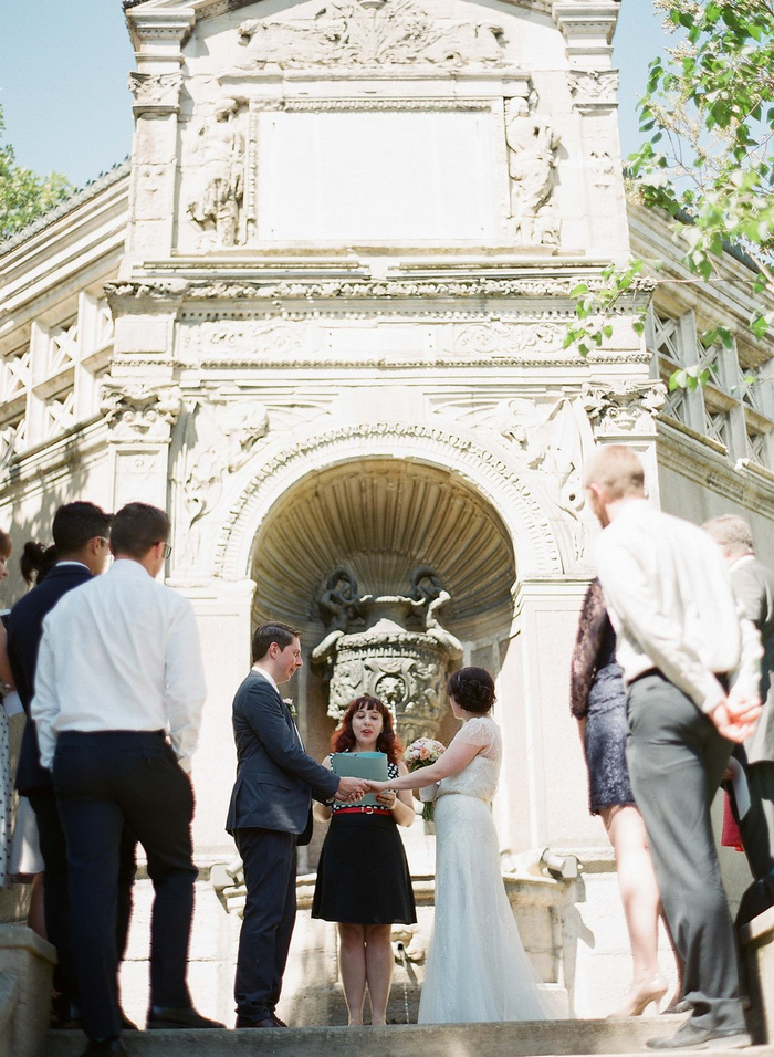 intimate-paris-wedding-Lindsey-Matthew-photography-by-Greg-Finck-37