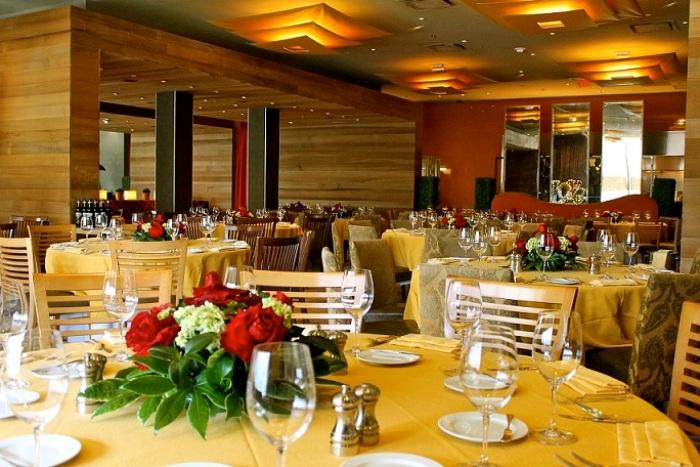 Houston-Intimate-Wedding-Venue-RDG-Bar-Annie-1