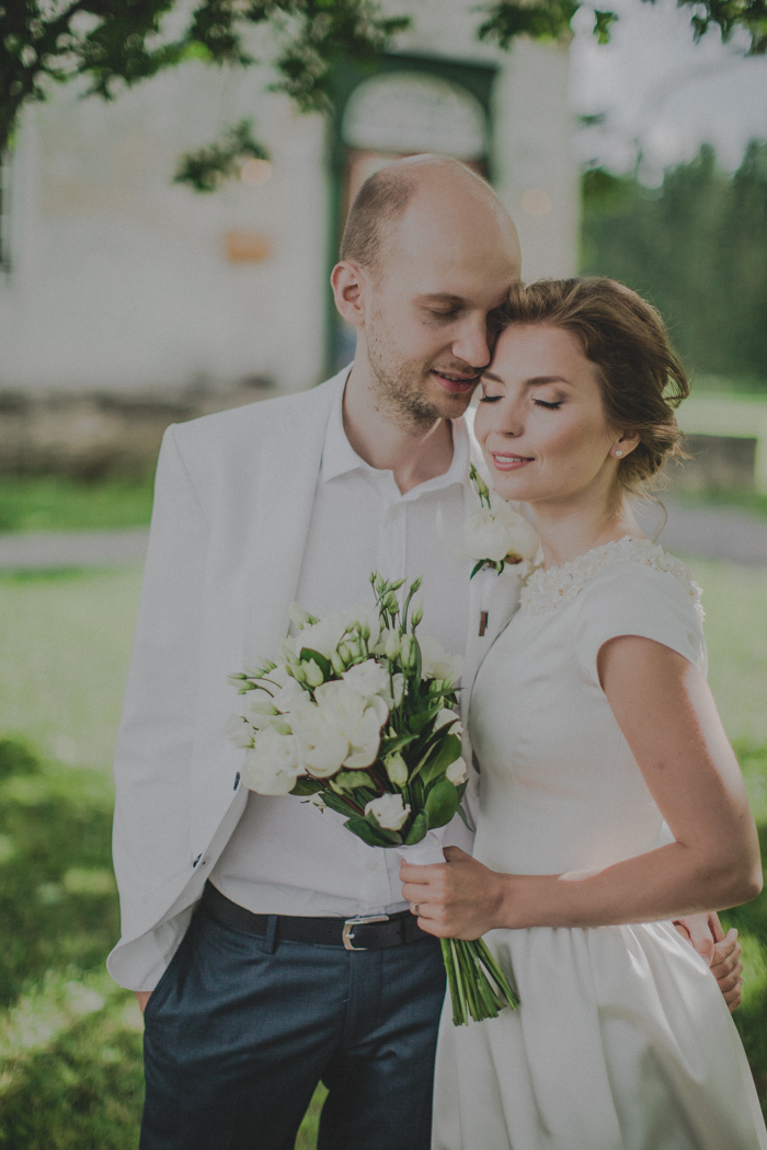 Manor-Estonia-Intimate-Wedding-Kelli-Mart-5