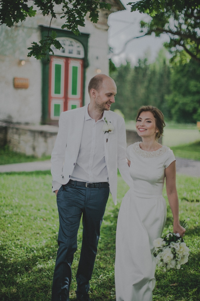 Manor-Estonia-Intimate-Wedding-Kelli-Mart-6