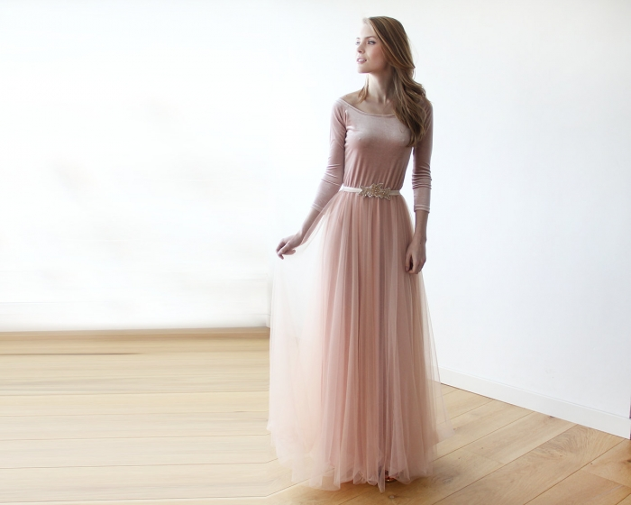 http://www.intimateweddings.com/wp-content/uploads/2016/02/Blush-Wedding-Gown-700x560.jpg