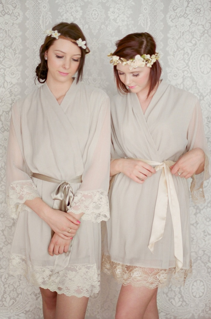 Lace-Trimmed-Bridesmaid-Robe