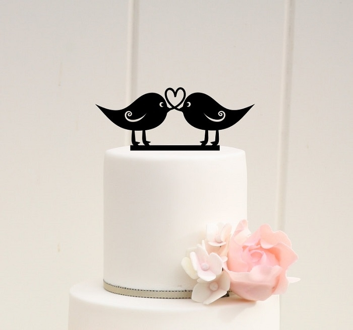 http://www.intimateweddings.com/wp-content/uploads/2016/02/Love-Birds-Cake-Topper-700x656.jpg