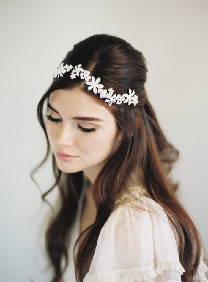 http://www.intimateweddings.com/wp-content/uploads/2016/02/bridal-headpieces-700x951.jpg