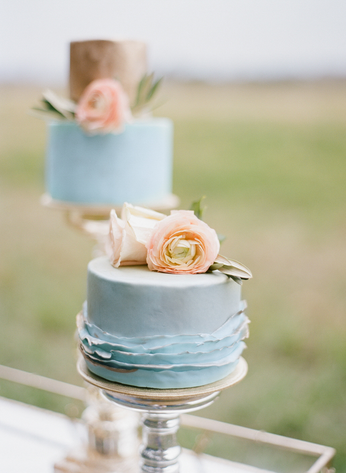Pantone-styled-shoot-elopement-by-Emily-Katharine-17