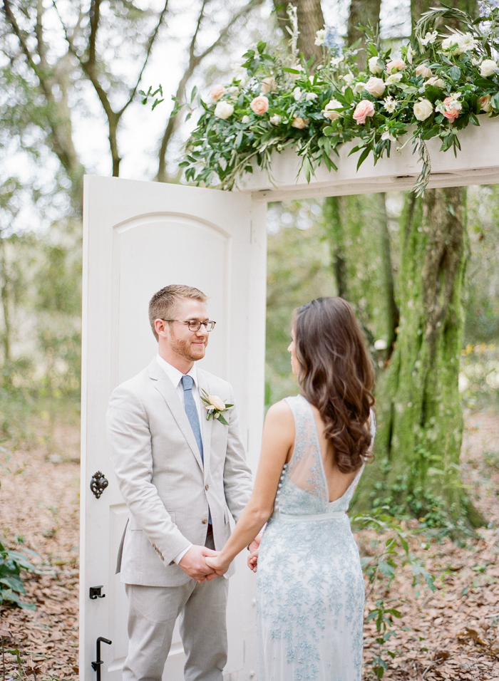 Pantone-styled-shoot-elopement-by-Emily-Katharine-35