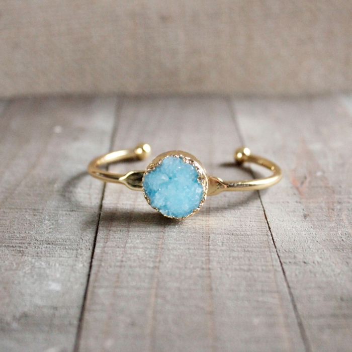 http://www.intimateweddings.com/wp-content/uploads/2016/03/aqua-gold-bracelet-700x700.jpg