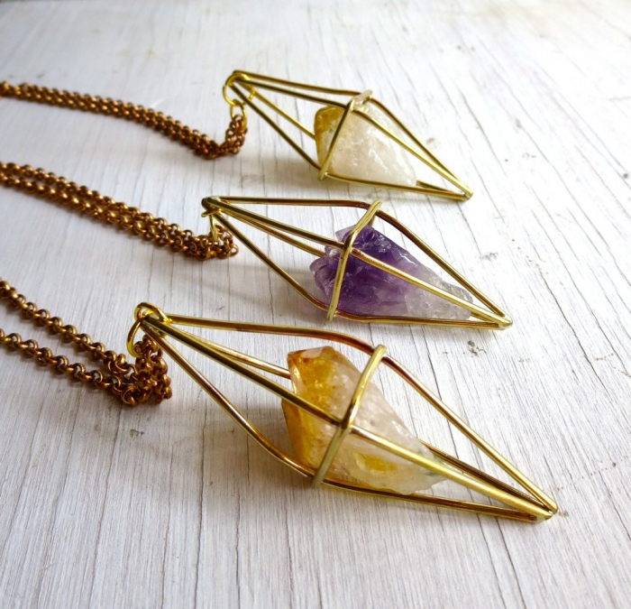 diamond shapped stone necklace