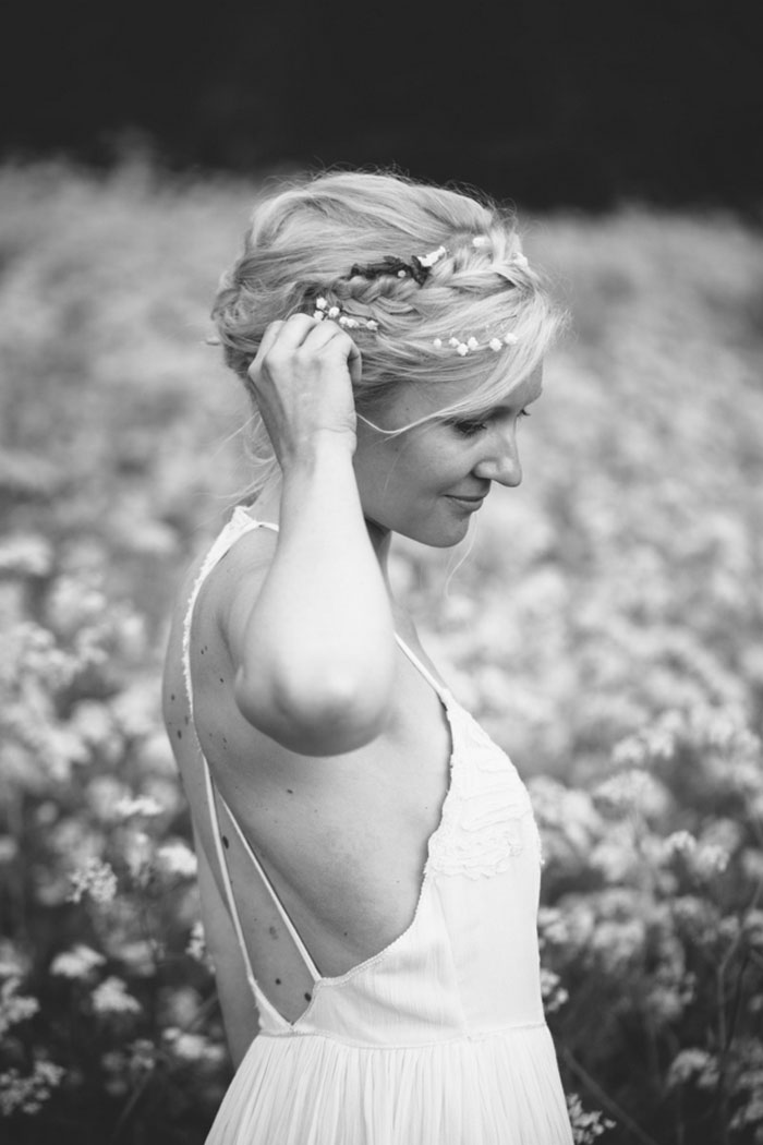 black and white bride portrai