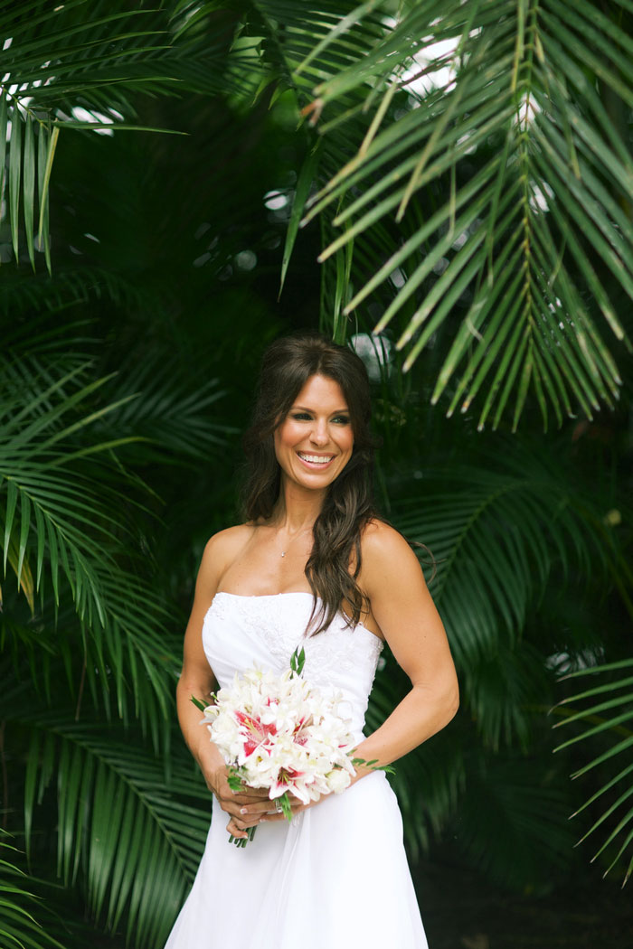 bride portrait in Hawaii