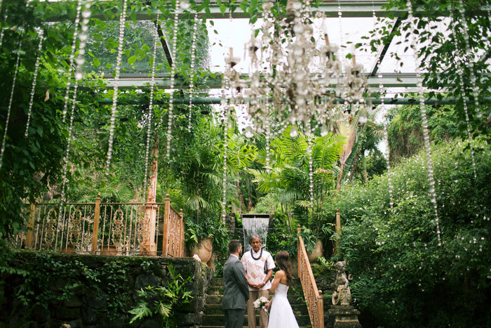 elopement ceremony at haiku mills