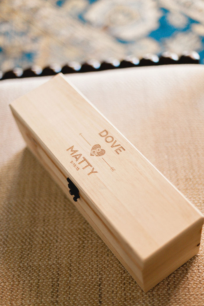customized wedding wine box
