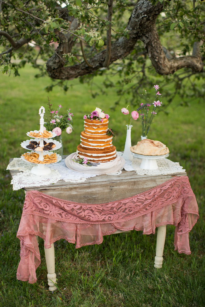 apple-orchard-wedding-styled-shoot-Brooke-Ellen-Photography-46