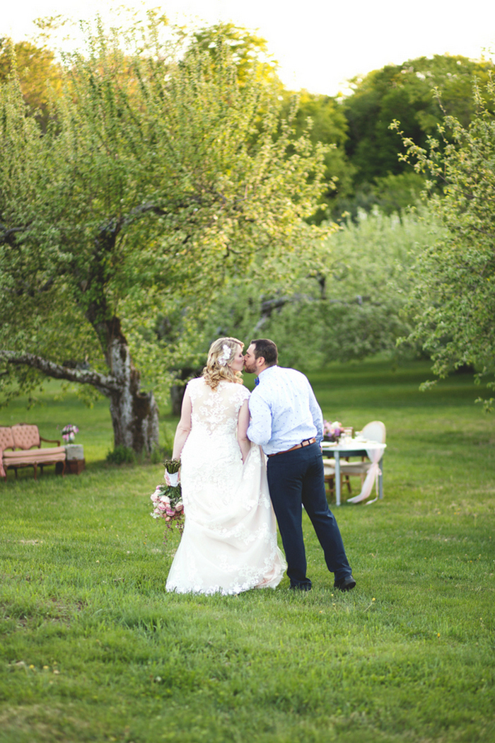 apple-orchard-wedding-styled-shoot-Brooke-Ellen-Photography-58