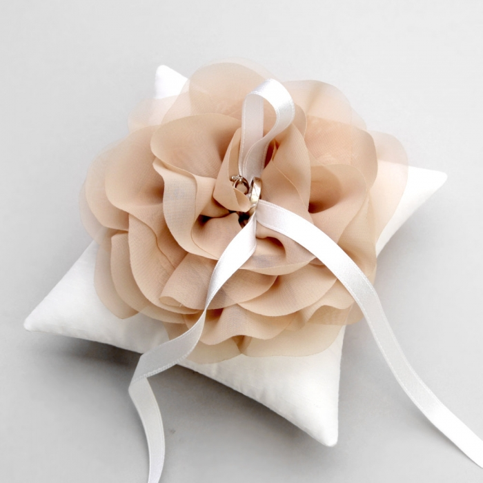 Flower Blush Ring Pillow