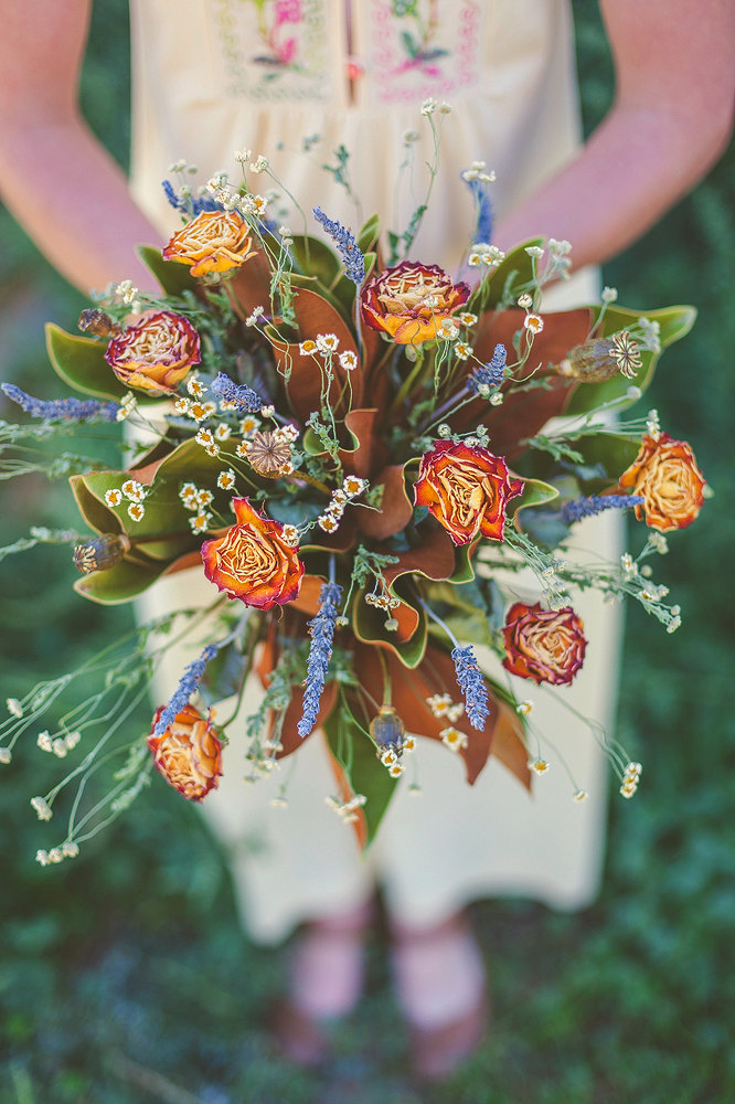12 Dreamy Ways with Dried Flowers | Intimate Weddings - Small ...