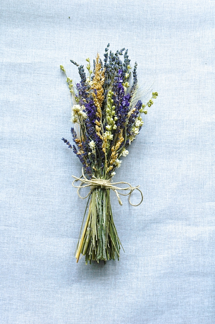 dried lavander bouquet
