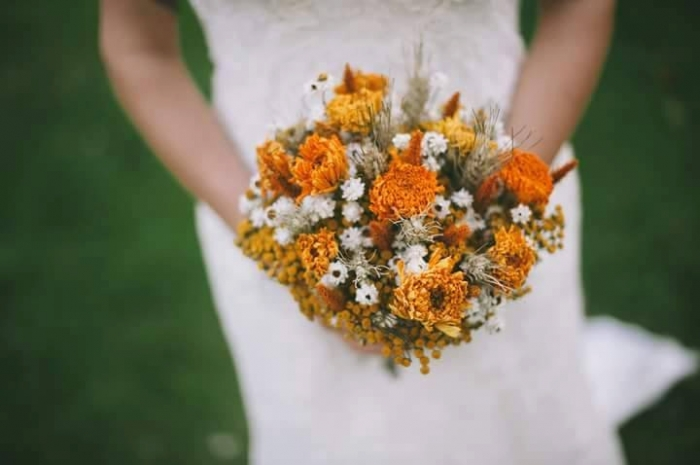 golden dried flower bouquet