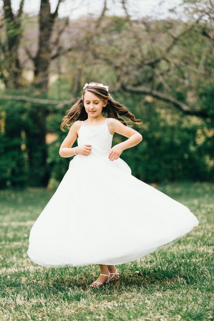 flower girl spinning