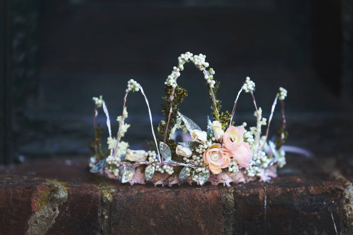 moss flower crown