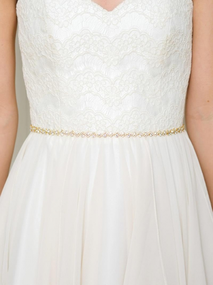 http://www.intimateweddings.com/wp-content/uploads/2016/04/thin-gold-belt-700x934.jpg
