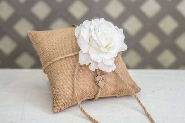 wooden burlap ring pillow