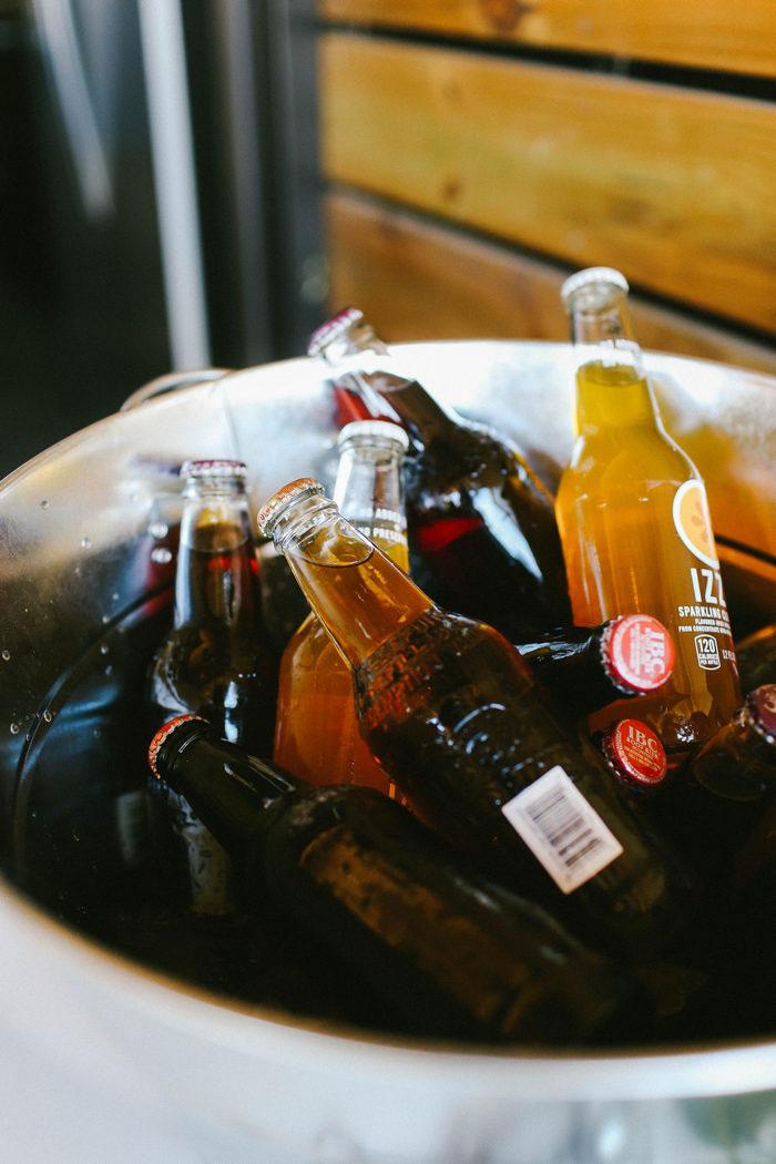 sodas in bucket