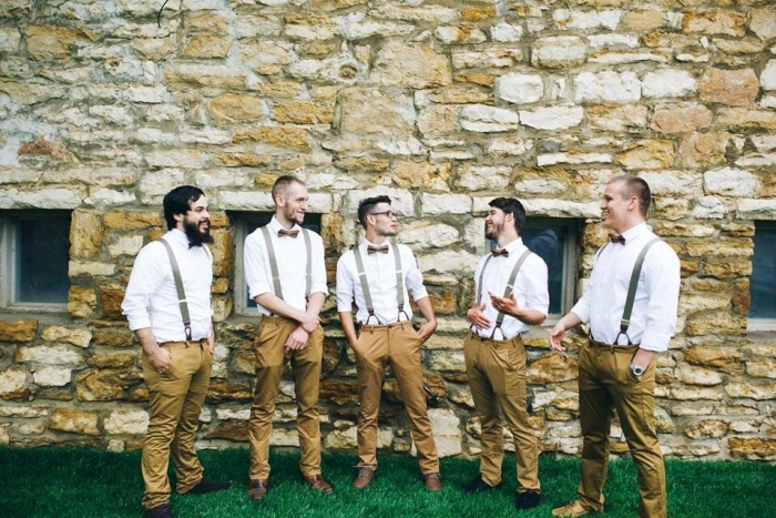 http://www.intimateweddings.com/wp-content/uploads/2016/05/brown-linen-bowtie-700x467.jpg