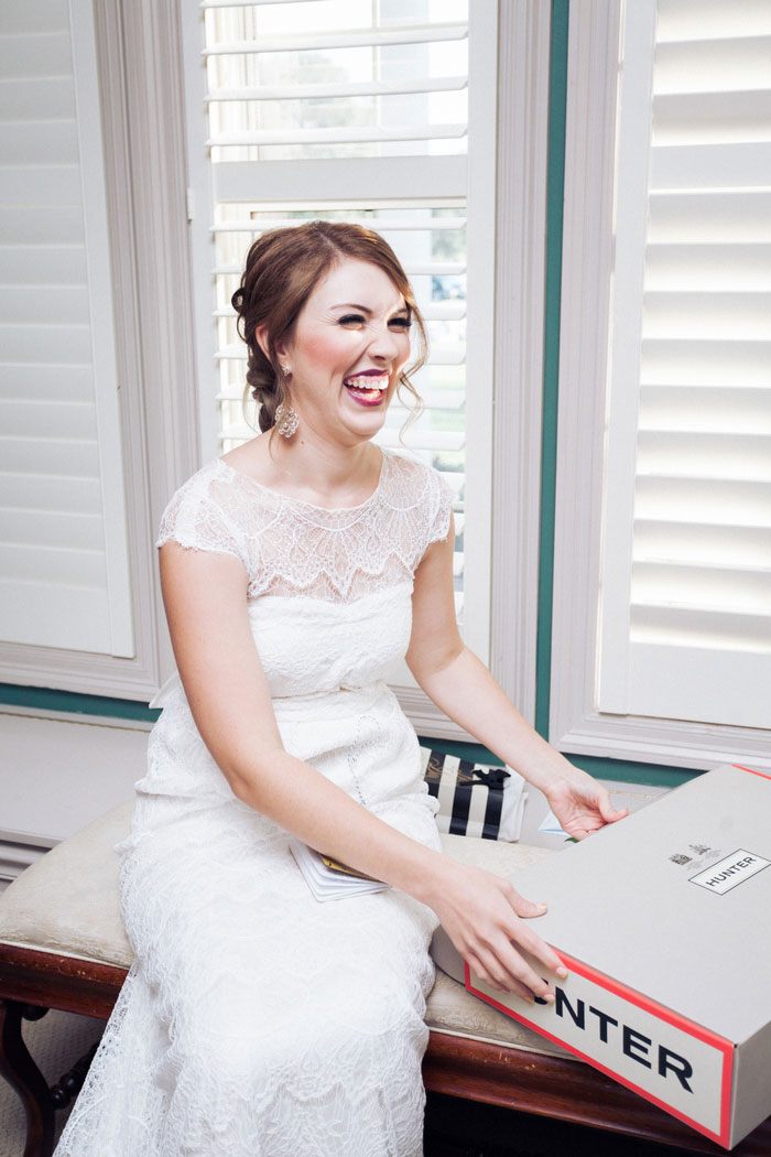 bride opening hunter box