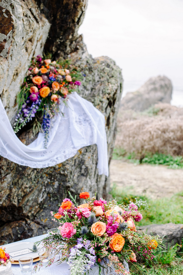 cliffside-elopement-styled-shoot-16