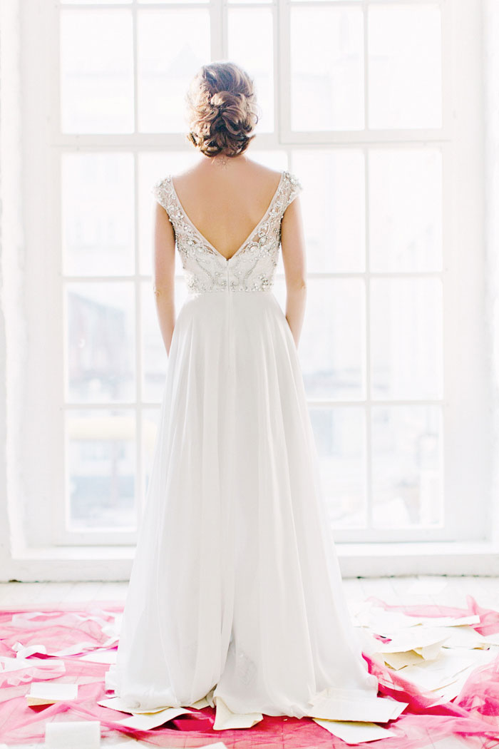 portrait of bride from the back